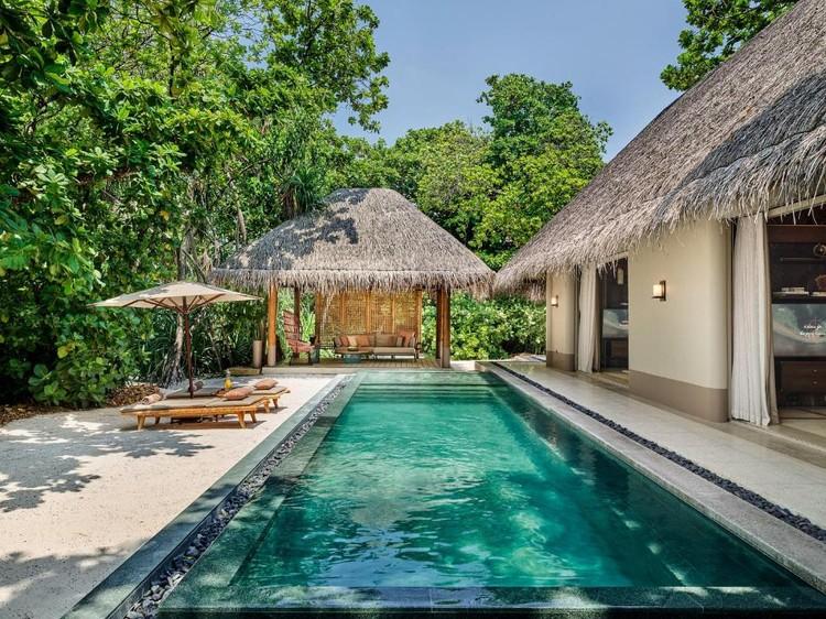 Вилла Собчак на курорте Joali Maldives стоит 350 тысяч рублей в день. Фото: Booking.com.