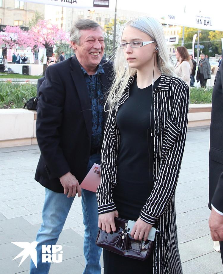 Михаил Ефремов и его дочь Анна-Мария