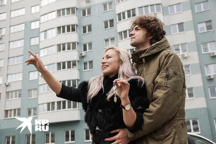 Россияне задумываются о покупке недвижимости.