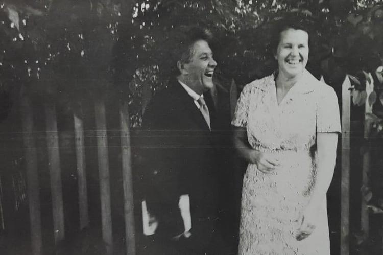 Синяков с летчицей Анной Егоровой, спустя годы после войны Фото: Музей истории медицины Челябинска