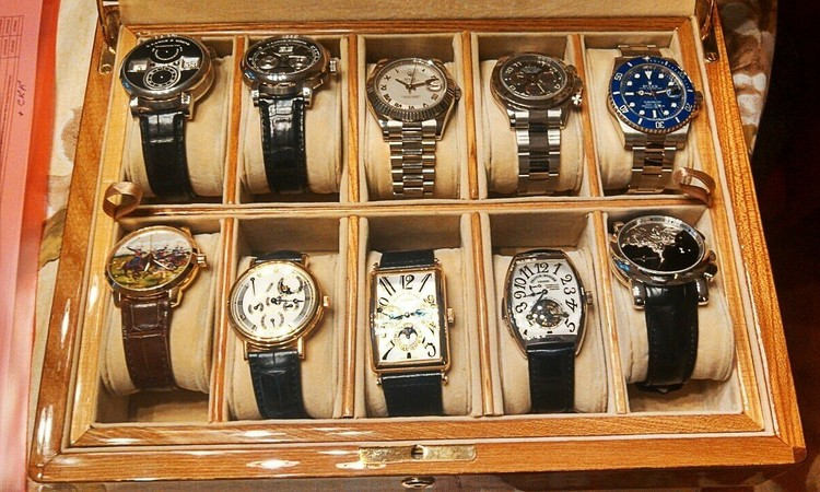 Часть коллекции наручных часов экс-губернатора Хорошавина.