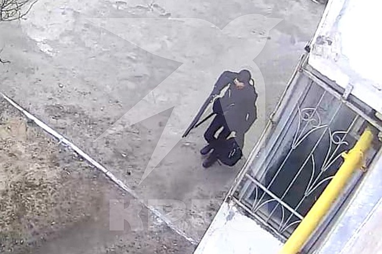 Галявиев отправился убивать школьников с оружием в руках. Фото предоставлено «КП»