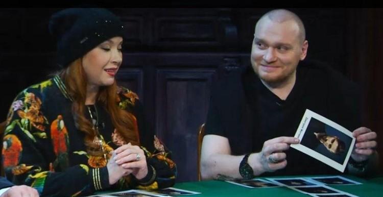 Сафронов с соведущей «Битвы экстрасенсов» Верой Сотниковой. Участники шоу часто предсказывали звездам судьбу, болезни.
