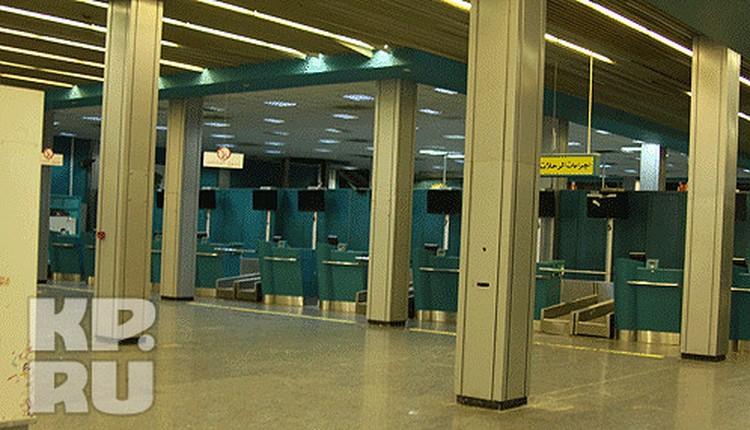 Стойки регистрации еще не скоро примут своих пассажиров.