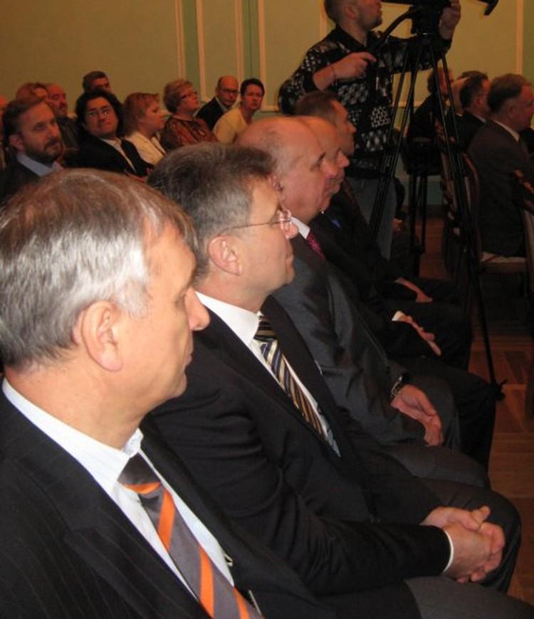 На торжественной церемонии присутствовали почетные граждане города