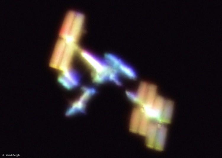 Вандебер давно снимает космические объекты: вот его фото МКС