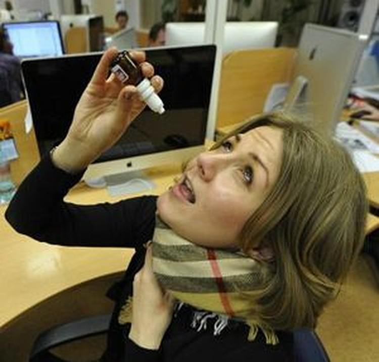 - Интересно, какое «лекарство» лучше помогает: больничный или капли в нос на рабочем месте?