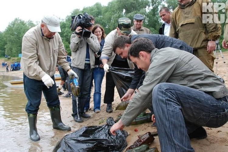 """Аглям Садретдинов (слева) производил впечатление """"увлеченного"""" защитника природы"""