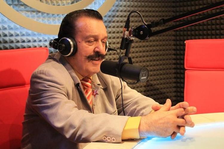 """Артист охотно ответил на вопросы слушателей радио """"КП""""."""