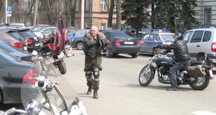 Поддержать митингующих приехали байкеры
