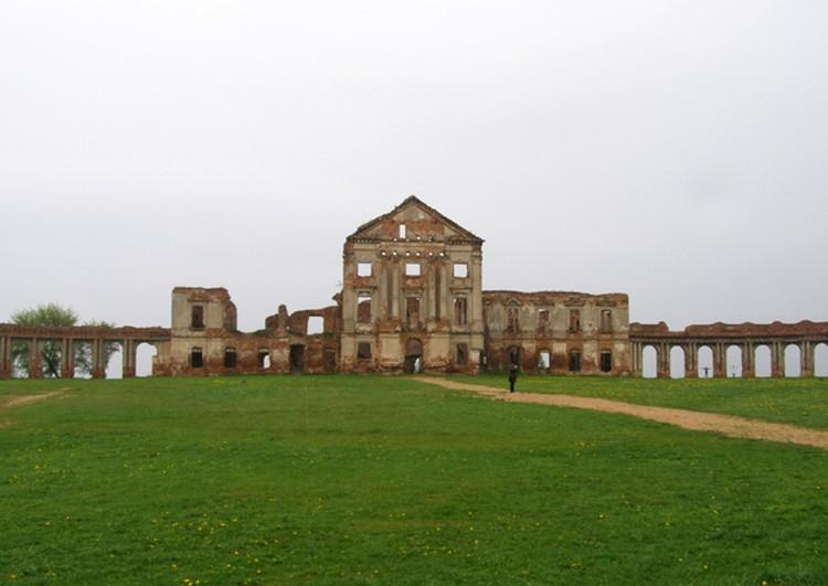 Дворцовый комплекс в Ружанах сравнивают с Версалем