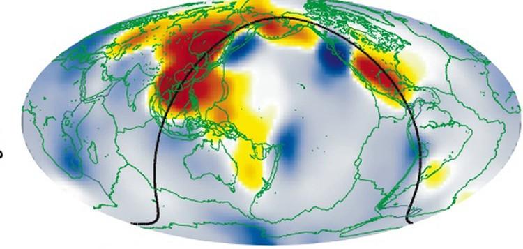 Районы аномального затухания сейсмических волн отмечены на карте красным цветом. Именно под ними, возможно, и  расположены подземные океаны