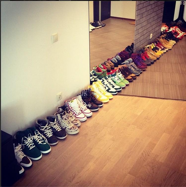 Количеству обуви у жениха Ульяны позавидует любая девушка