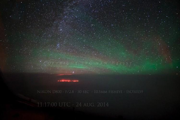 Так явление выглядело с дальнего расстояния. Фото JPC van Heijst.