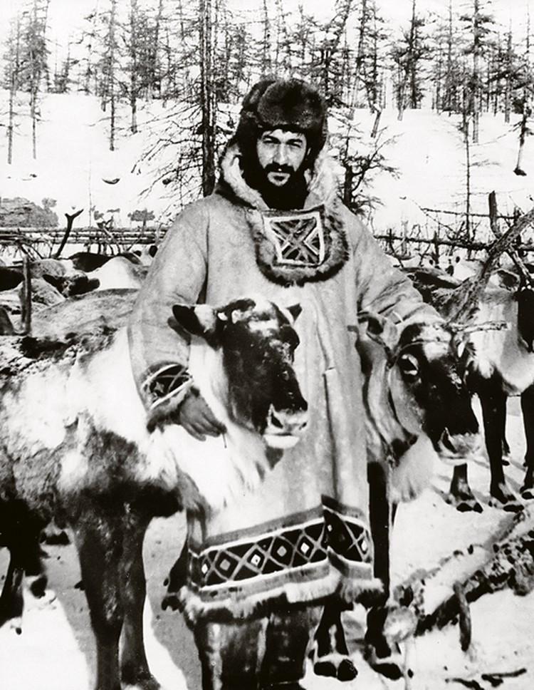 Первый секретарь Булунского райкома ВЛКСМ Якутии Артур Чилингаров. 1965 год. Фото: личный архив.