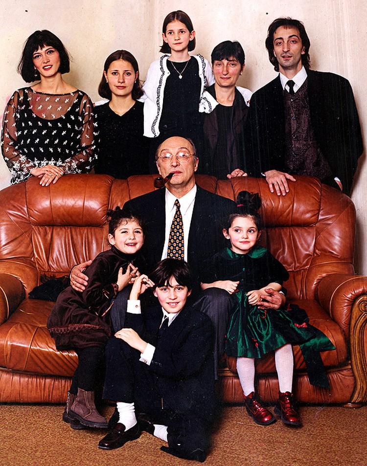 Семейный портрет, 1999 год