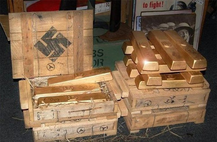 С 1944 года за океан пошло также трофейное гитлеровское золото