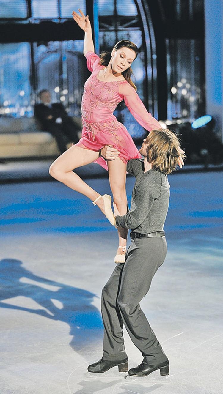 В финале Елена Подкаминская решила станцевать на льду  на пуантах.