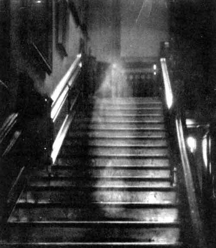 Призрак леди Тауншенд  - самый известный из всех сфотографированных.