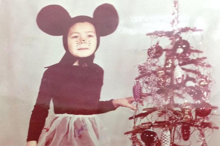 Будущая чемпионка на новогодней елке. Волгоград, 1990 год. Фото: личный архив