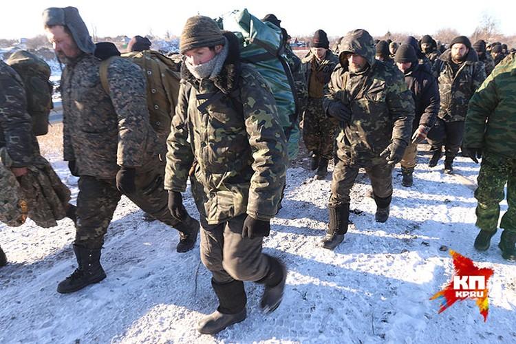 Сдавшиеся в плен украинские солдаты.