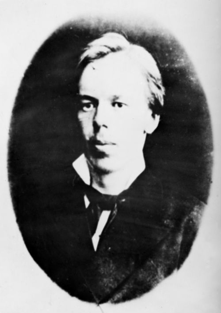 Уже в молодости Александр Попов обешал вырасти в гениального ученого.