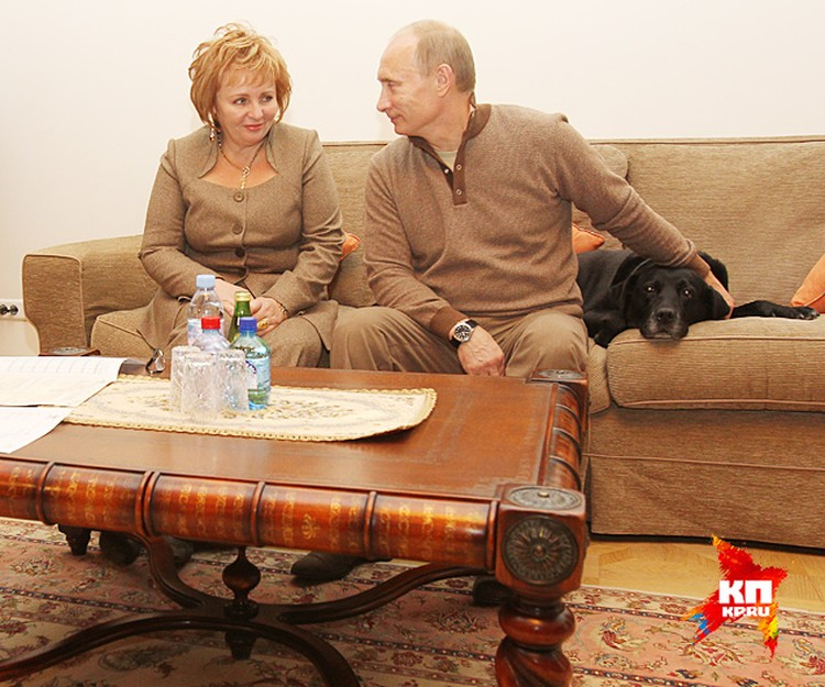 Владимир Путин, несмотря на развод поддерживает хорошие отношения с бывшей женой Людмилой
