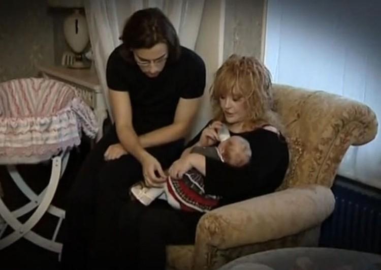 Лиза похожа на Аллу, а Гарри - на меня, -признался журналистам Максим. - Но они оба наши любимчики