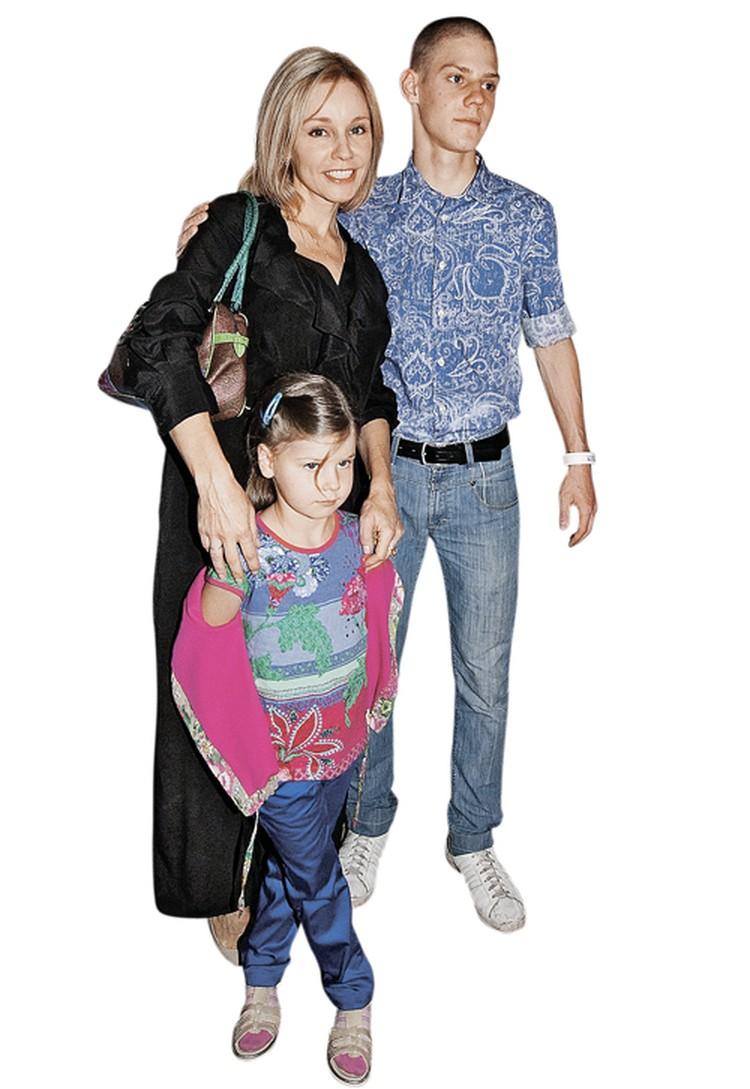 Марина Зудина подарила Табакову двоих детей: дочь Машу и сына Павла. Фото: StarFace.ru