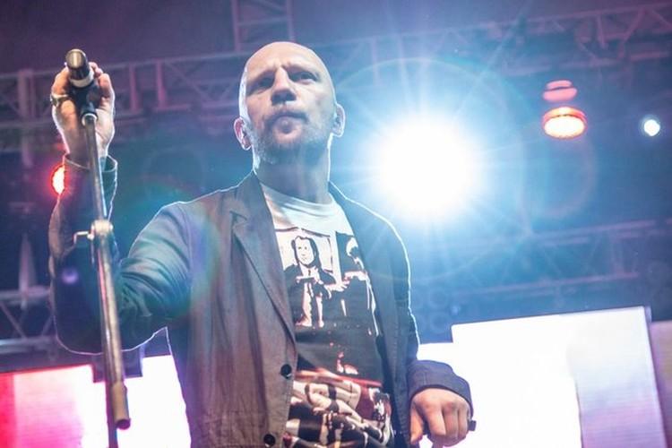 Группа «25/17» была создана Андреем Бледным в 2002 году в Москве и до 2009 года была известна как Иезекииль 25:17.