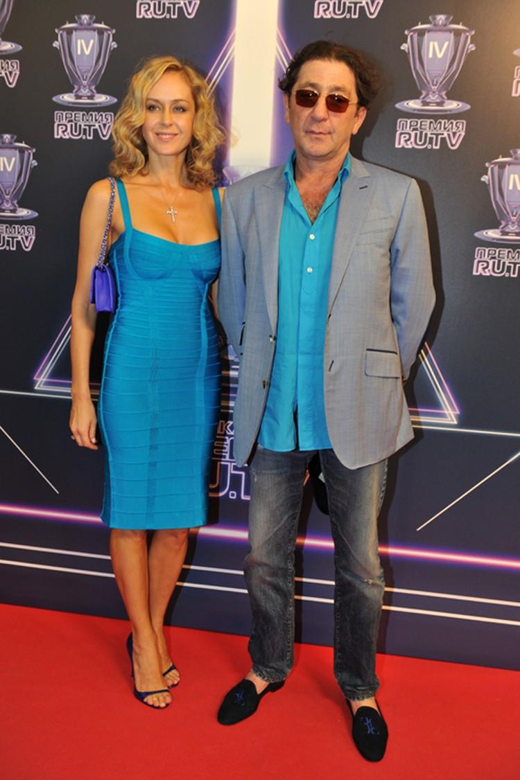 С женой Анной Григорий познакомился, когда она танцевала в балете Лаймы Вайкуле. Дело было в 2000 году, и с тех пор они неразлучны.