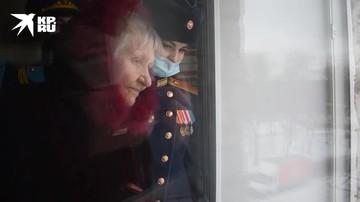 Поздравление участниц Великой Отечественной войны с Международным женским днем в Тольятти