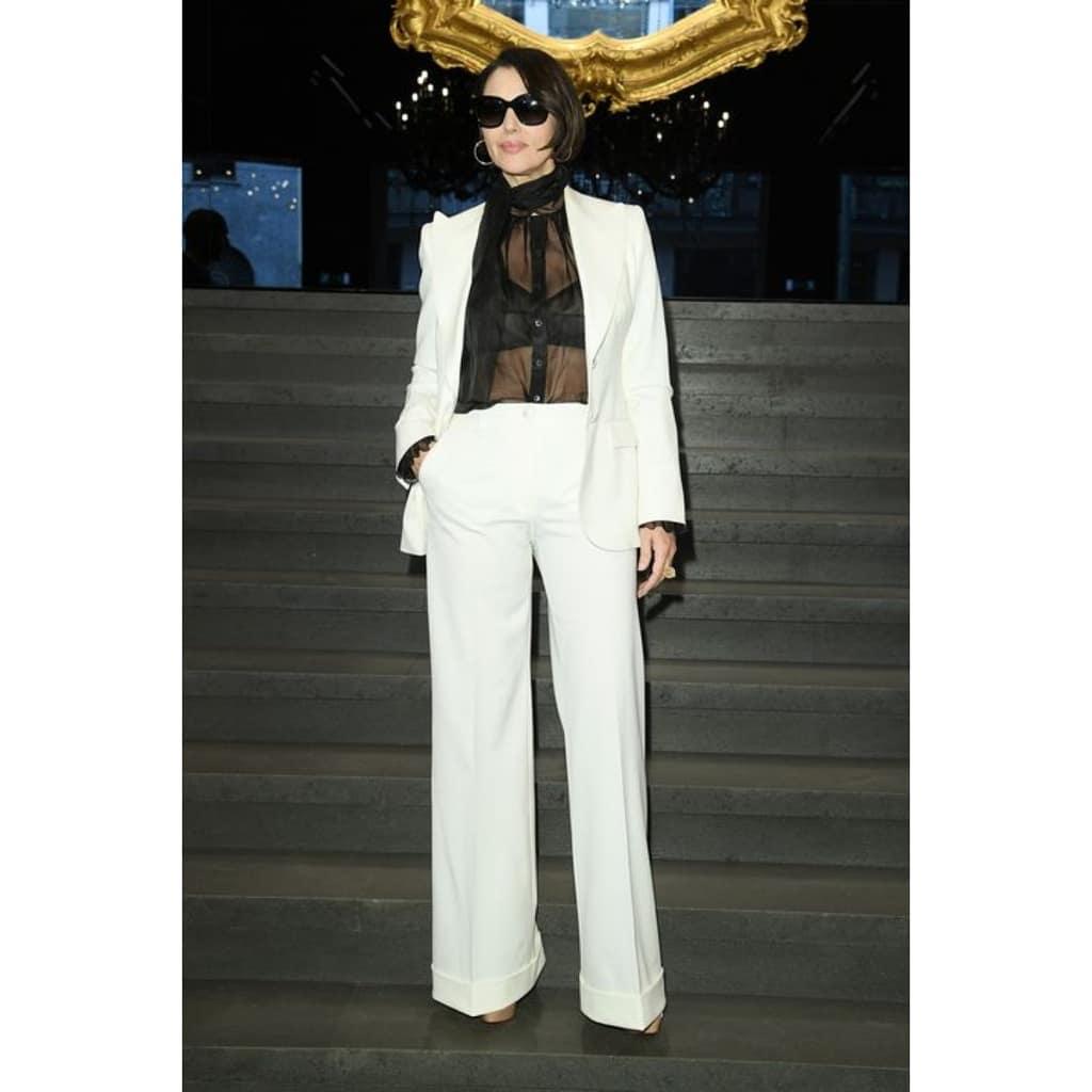 Моника Беллуччи появилась на миланской Неделе моды