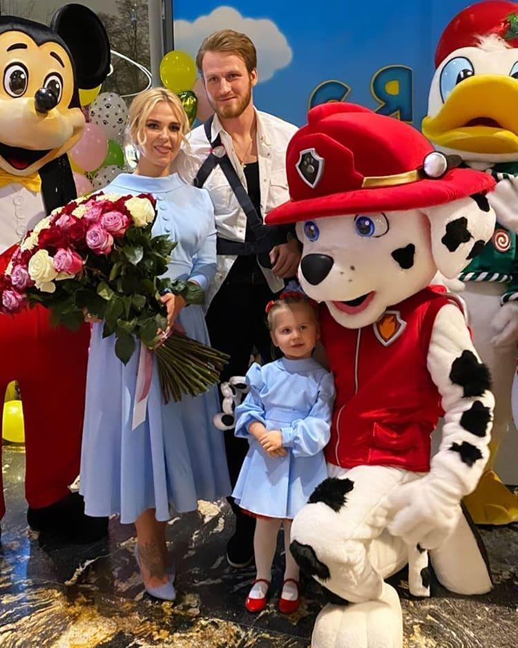 Пелагея и Иван Телегин устроили в честь Дня рождения Таисии большой праздник