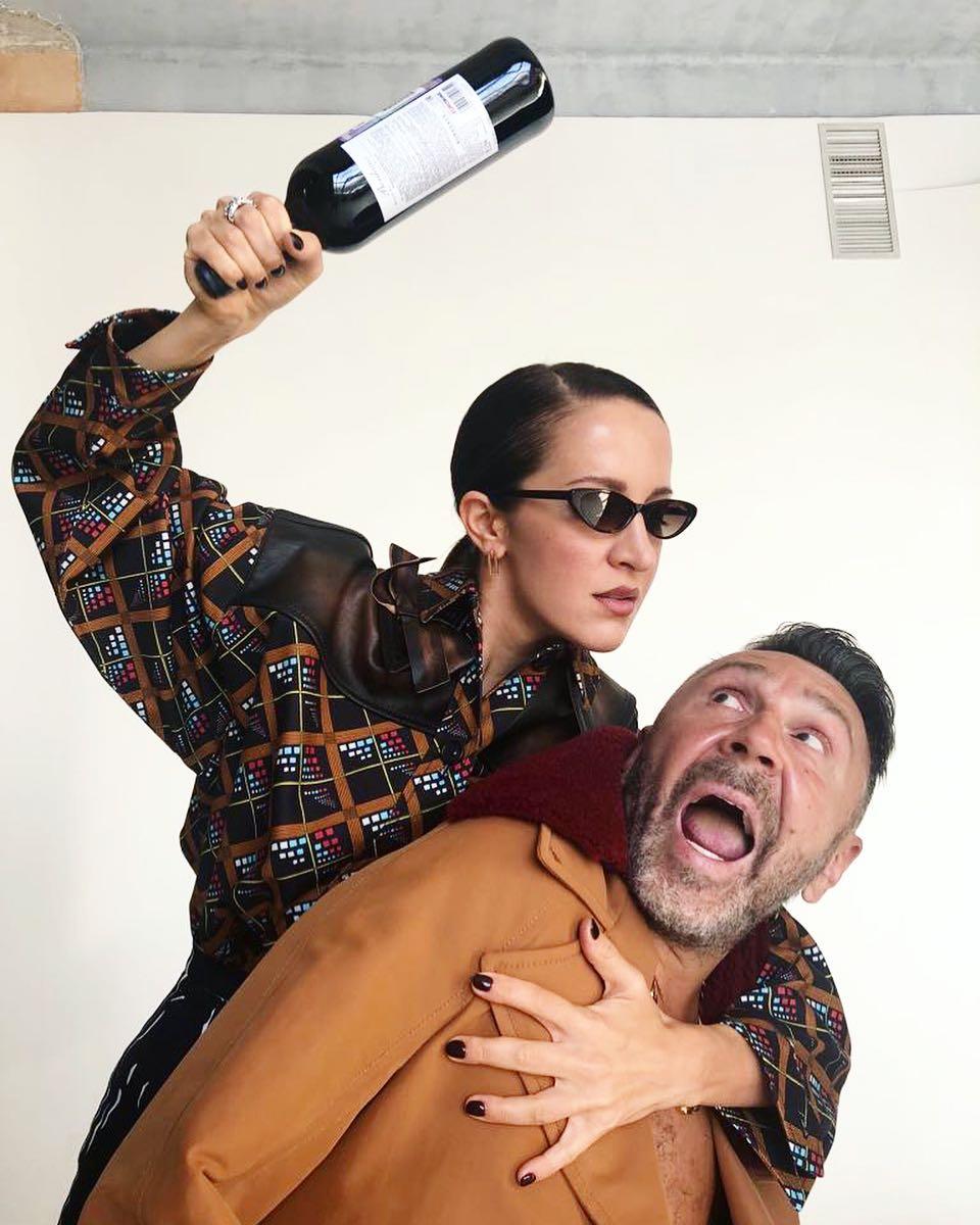 Знакомые семьи уверяют, что Матильда недавала мужу слишком много пить.