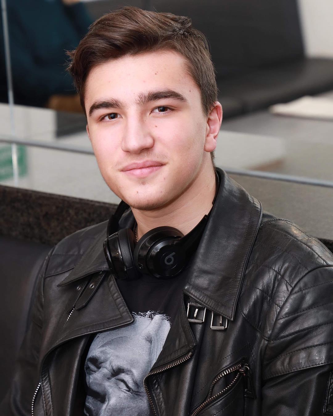 Максим Хворостовский родился 7 июля 2003 года