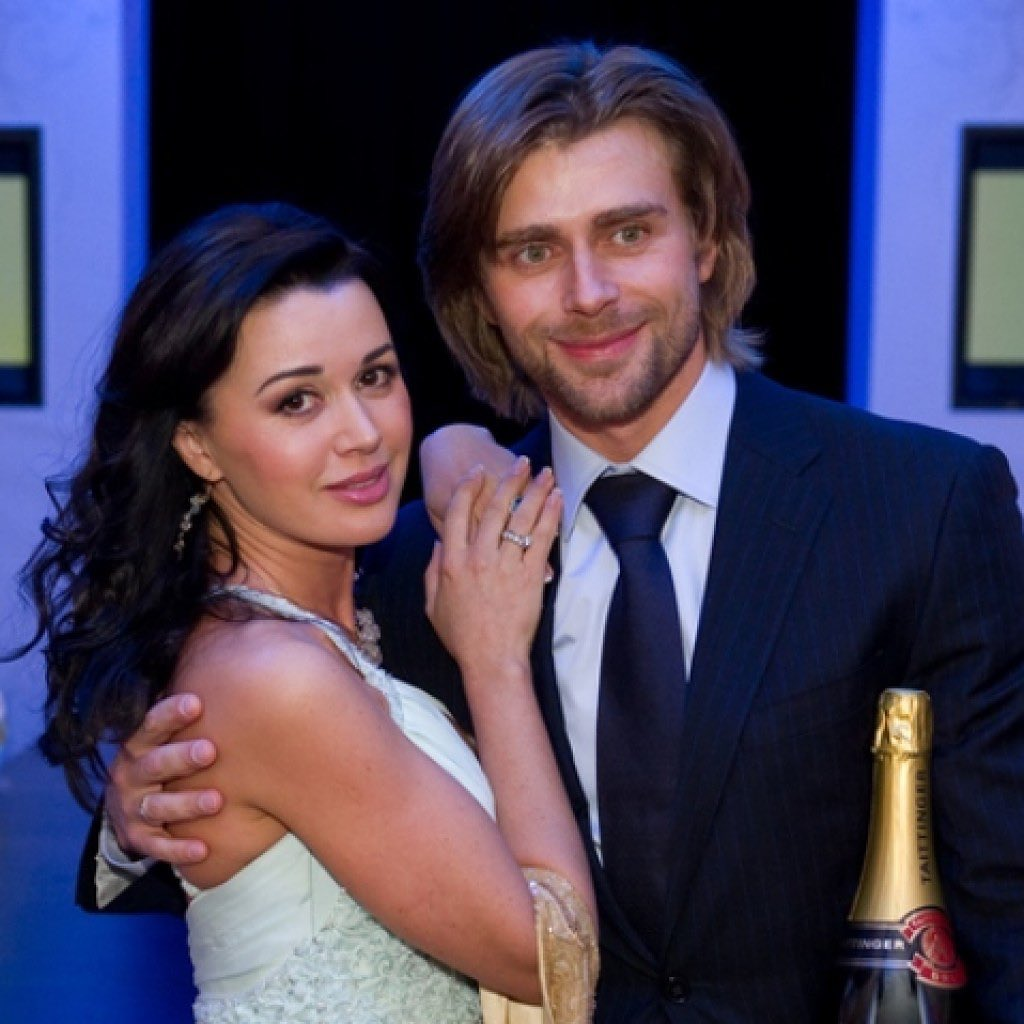 Мы от всей души поздравляем Настю и Петра!