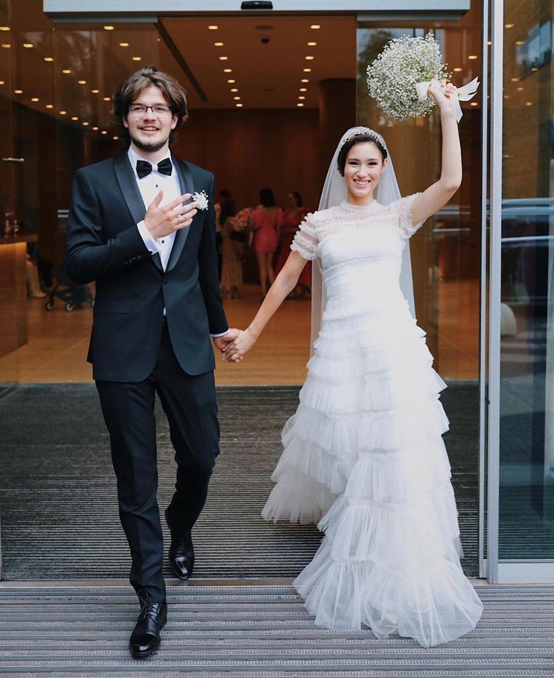 Дина и Димитрии , поздравляю с законным браком Совет да любовь! Будьте счастливы, дети мои Подробности на @tatler_russia