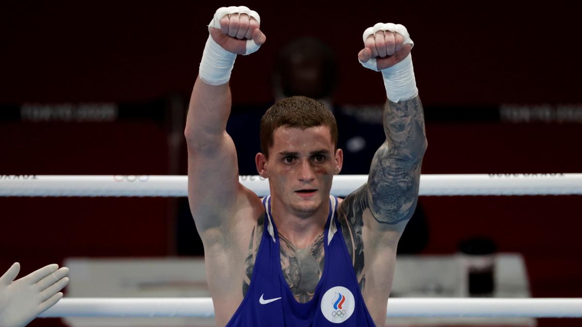 Россиянин Глеб Бакши бился в полуфинале Олимпиады с бразильцем. Фото: REUTERS