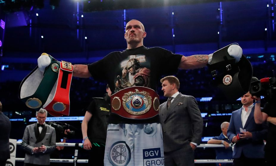 Александр Усик ждет новых боев. Фото: Reuters